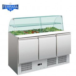 3 ajtós salátahűtő üveg felépítménnyel, 400 literes
